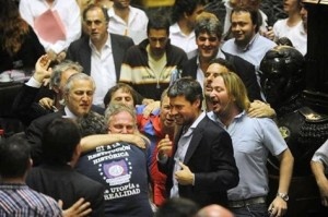 Abrazo de Adolfo y Diego!!