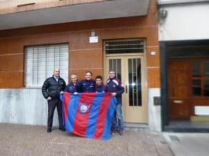 """""""Los muchachos de la Vuelta"""" en la casa donde vivio Federico Monti."""