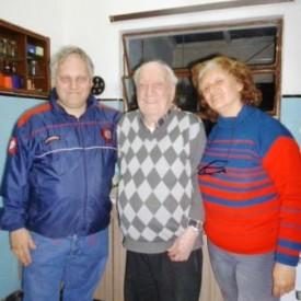 Isabelino junto a Adolfo y Mabel.