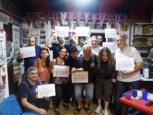 Los queridos sanlorencistas que orgullosamente muestran su diploma de finalización de los cursos dictados por Adolfo.